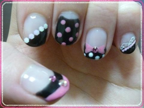 ピンクなミニー風ネイル
