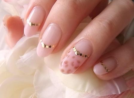 ピンクなぼんやり豹柄ネイル