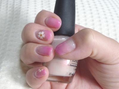 ピンクすぎる桜ネイル
