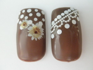 チョコ色ネイル