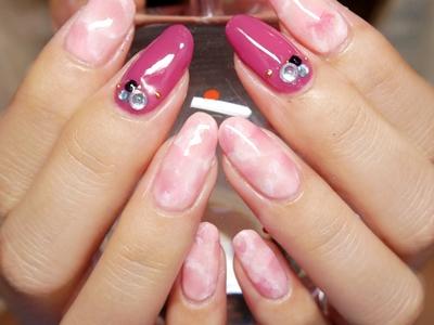 ピンク&ストーン柄。
